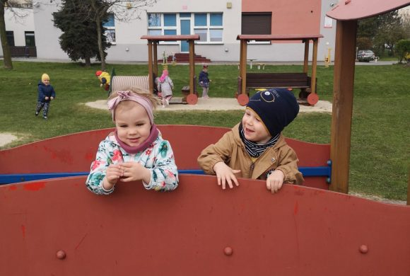 Pierwsze wyjście na plac zabaw